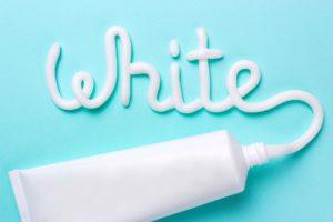 Consigli utili per mantenere i denti bianchi