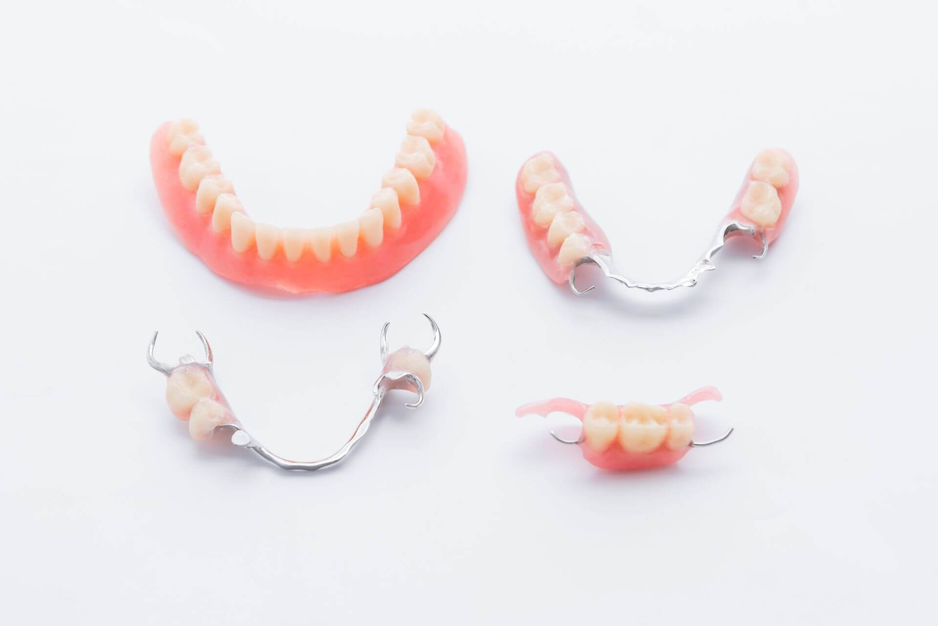 Protesi dentaria mobile senza palato