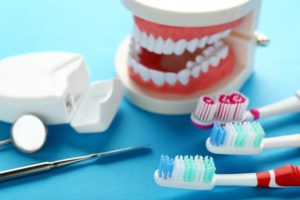 pulizia delle protesi dentali